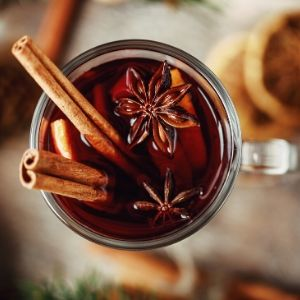 Spiced wine, mulled wine, wassail, aspen mulling spice apple cider