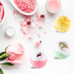 Bath bombs with essential oils