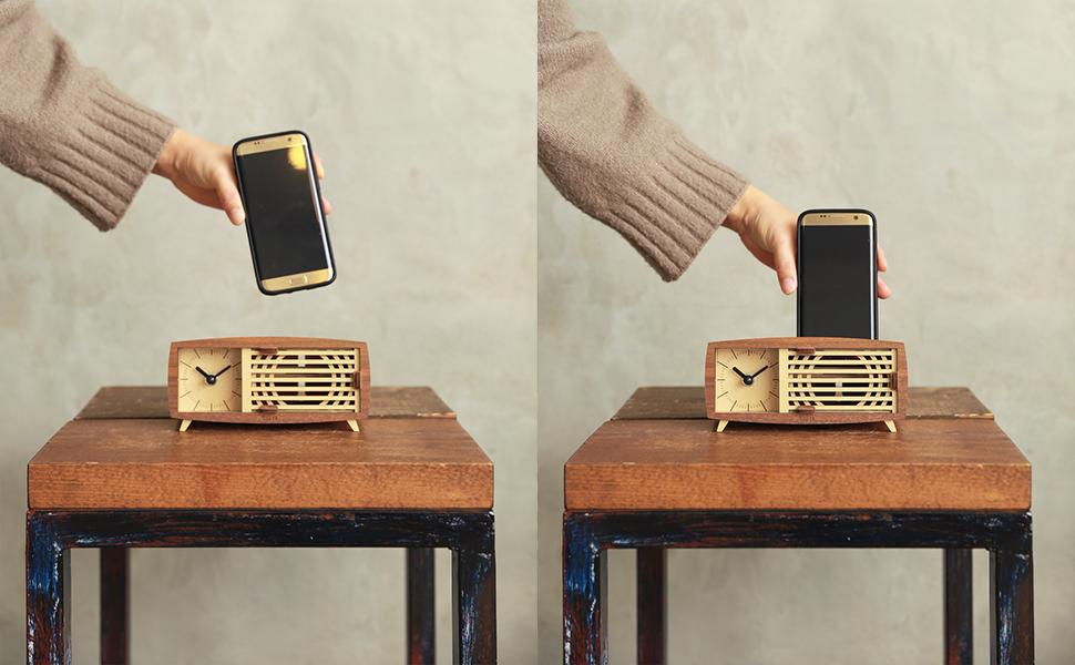 retro radio clock