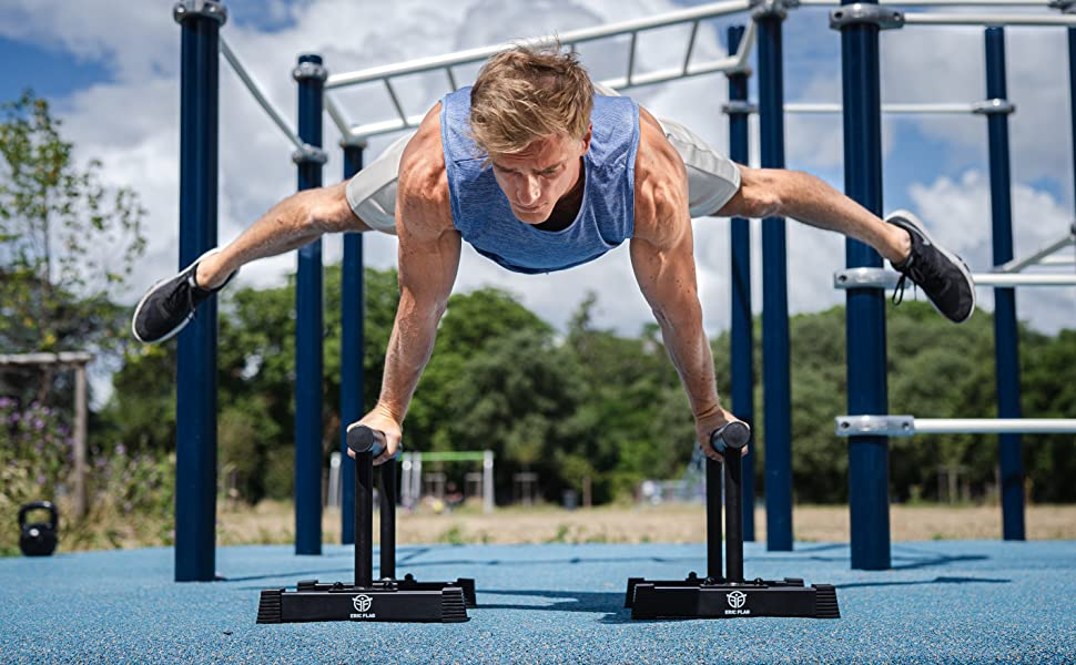 Eric Flag Premium French Brand Parallettes For Street Workout Custom Made Parallel Bars In Steel For Optimal Stability In Calisthenics And Street Workout Gymnastics Amazon Co Uk Sports Outdoors