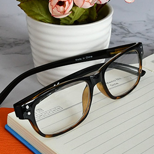 comfortable and fantastic value reading glasses for men and women