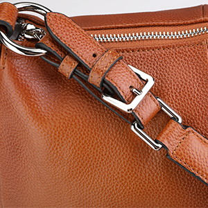 Double adjustable strap