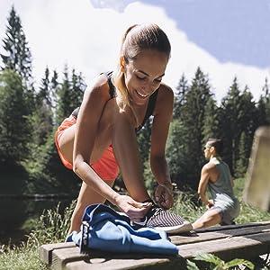 la Serviette de Sport et Serviette Voyage partaite Fit-Flip Serviette Microfibre Disponible dans Toutes Les Couleurs et en 8 Tailles Ultra-l/ég/ère et Rapidement s/èche compacte