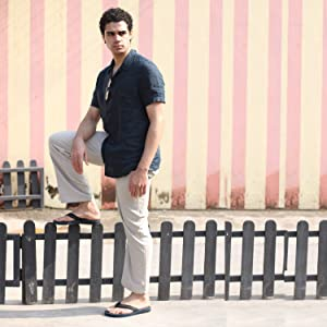 travel friendly, stylish, extra cushioned and comfortable flip flops for men