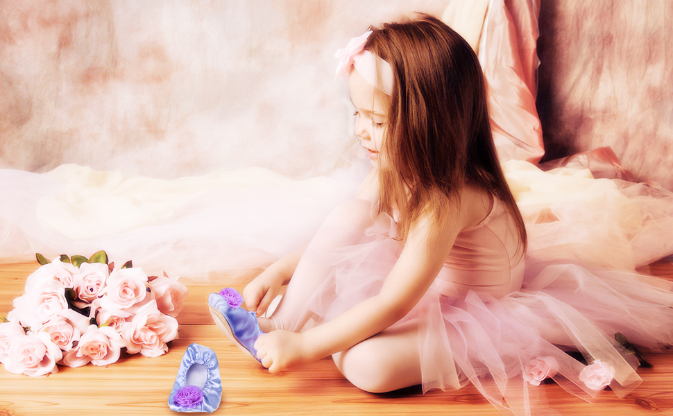 little girls play shoes