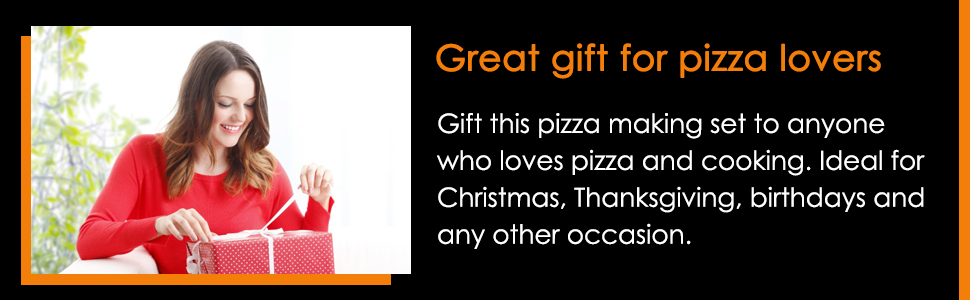 This 8 piece pizza set is perfect to gift