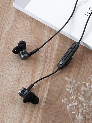 sport bluetooth earphones 1MORE WORKOUT