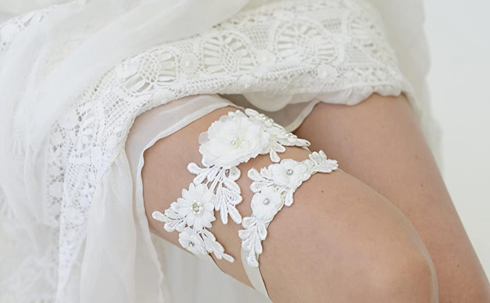 ivory garter set for bride