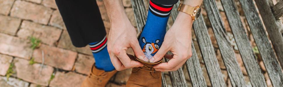 tony the tiger, socks, odd socks