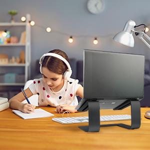 Laptop riser for student online class