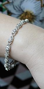 xo round natural diamond fine jewelry bracelet
