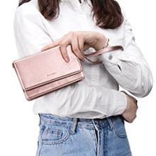 Kleine Handtasche mit einem Armband