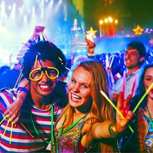 100 St/ücke 5 Farbmix Knicklichter mit Verbinder Disko Vicloon Leuchtst/äbe Verschiedene Festivals Party Glowstick Geeignet f/ür Kinder Geburtstagsfeier
