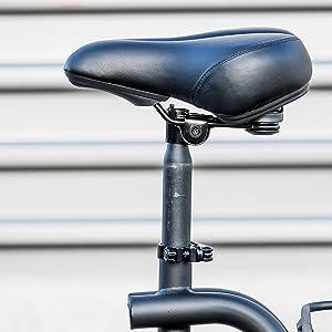 Height-adjustable saddle.