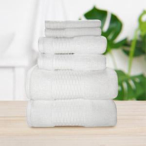 Luna towels in bathroom