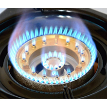 powerful burners for efficient cooking, this gas cooker is suitable for dinners and restaurants