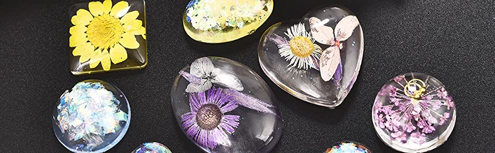 A variety of different shaped pendant