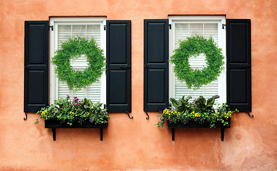 Artificial green boxwood wreath for home window decoration