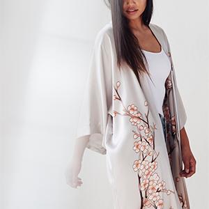 KIM+ONO Women's Handpainted Silk Kimono Robe Cherry Blossom Dream