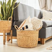 Natural wicker blanket basket