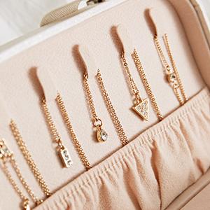 Necklace Hook & Mesh Pocket