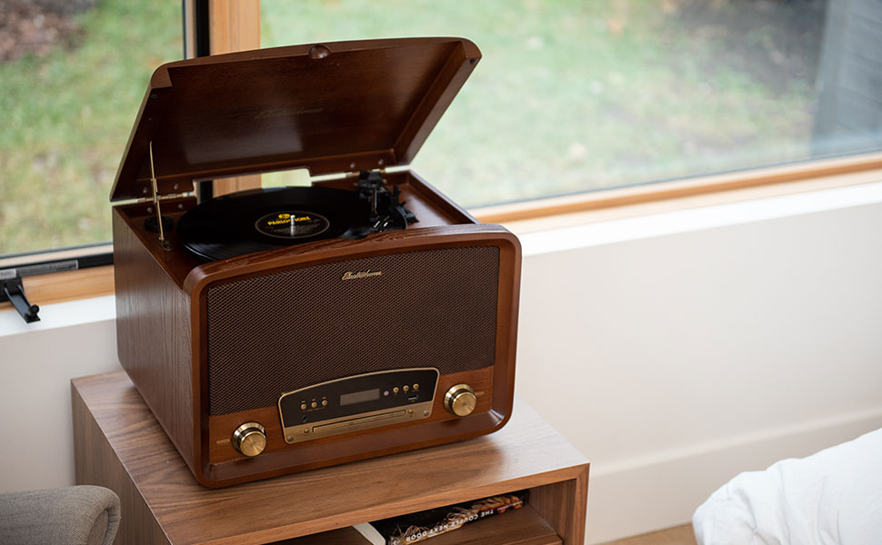 Retro Turntable 7-in-1 Music System RR75