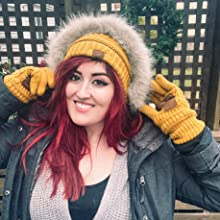 slouchy ribbed knit beanie and texting gloves