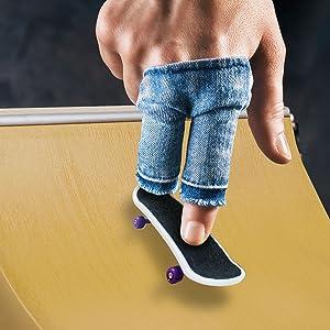 finger skateboard