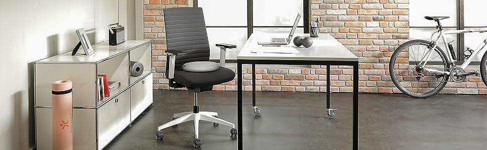 BODYMATE Ballsitzkissen Premium auf Schreibtischstuhl