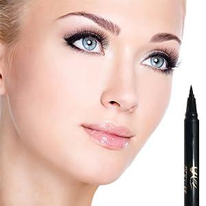 beautiful eyeliner and beautiful lashes