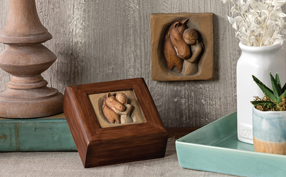 Group shot of Willow Tree Quiet Strength plaque and memory box.