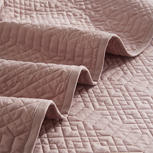Soft material, comfortable touching feeling, give you the best using experirence