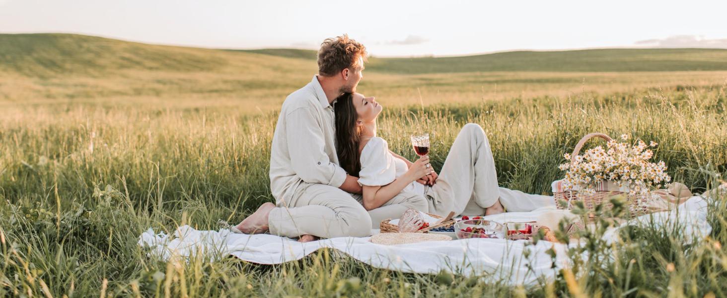Un picnic para dos o con amigos en tu propio terreno es sinónimo de felicidad y buenos momentos