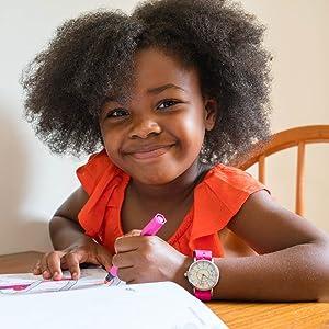 girl home schooling