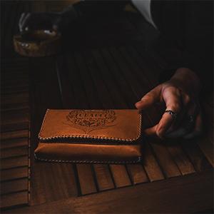 Porta Tabacco Cognac Lifestyle