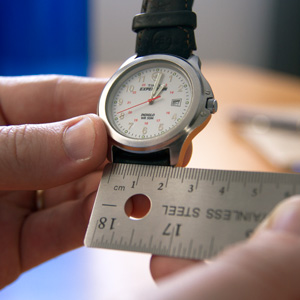 how to measure watch
