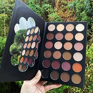 Eyeshadow Palette, Makeup Palette Set Highly Pigmented Glitter Metallic Matte Shimmer Natural Ultra