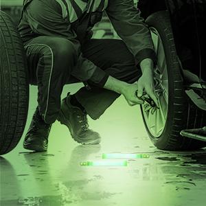 Roadside emergency glow sticks