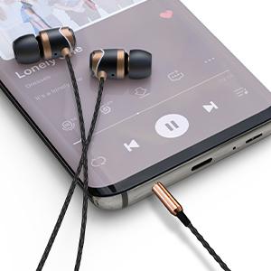 E10 in ear headphones wired