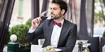 Bow tie suitable for dating, dining