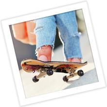 finger skateboarding