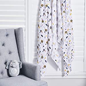 Couvertures Douces pour B/éb/é Produit Essentiel pour Nouveau-N/és Pack de 4 Couvertures d/'Emmaillotage pour B/éb/é avec Motif Fleuri 120 x 120 cm Couvertures pour B/éb/é 70/% Bambou /& 30/% Coton