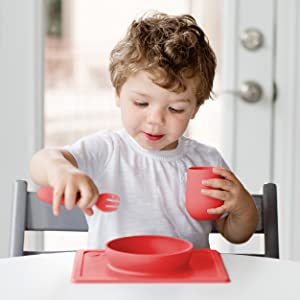 12 Months+ ezpz Mini Cup Designed by a Pediatric Feeding Specialist - 100/% Silicone Cup for Toddlers Blue