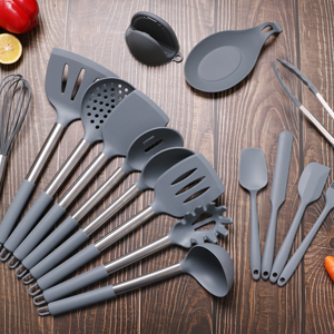18 Piece Kitchen Utensil Kit