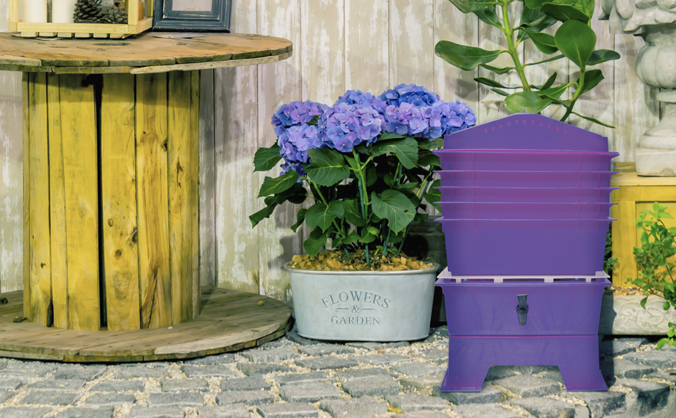 Worm Compost Bin, natural living, green, soil, planting, vermicomposting, recycle