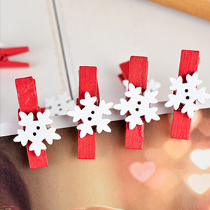 Souarts Pack of 50pcs Christmas Snowflake Red Wood Clothespins for Game Favors Craft Red