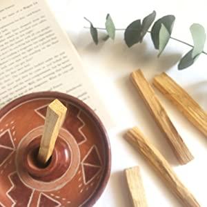 palo santo madera sagrada incienso para quemar de peru inciensos naturales de larga duración comprar