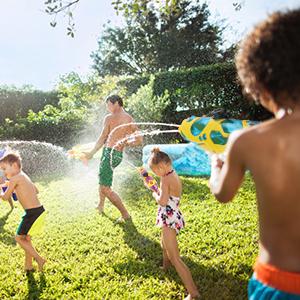 water battle guns toy for kids in the backyard