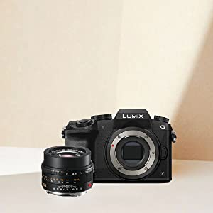 M-M4/3 lens and camera
