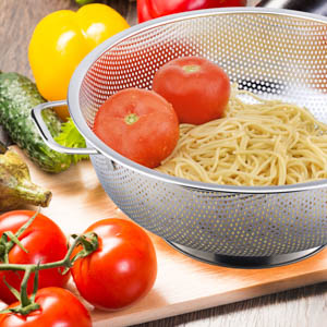 colander, nice choice for family use, light weight, preventing lost food, large amount
